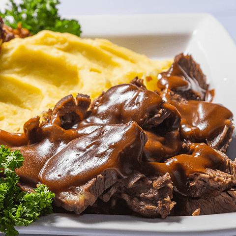 Cocina con imusa carne guisada