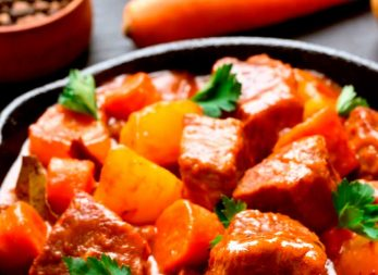 Guiso de carne y vegetales en tu olla a presión SecuryPlus Control