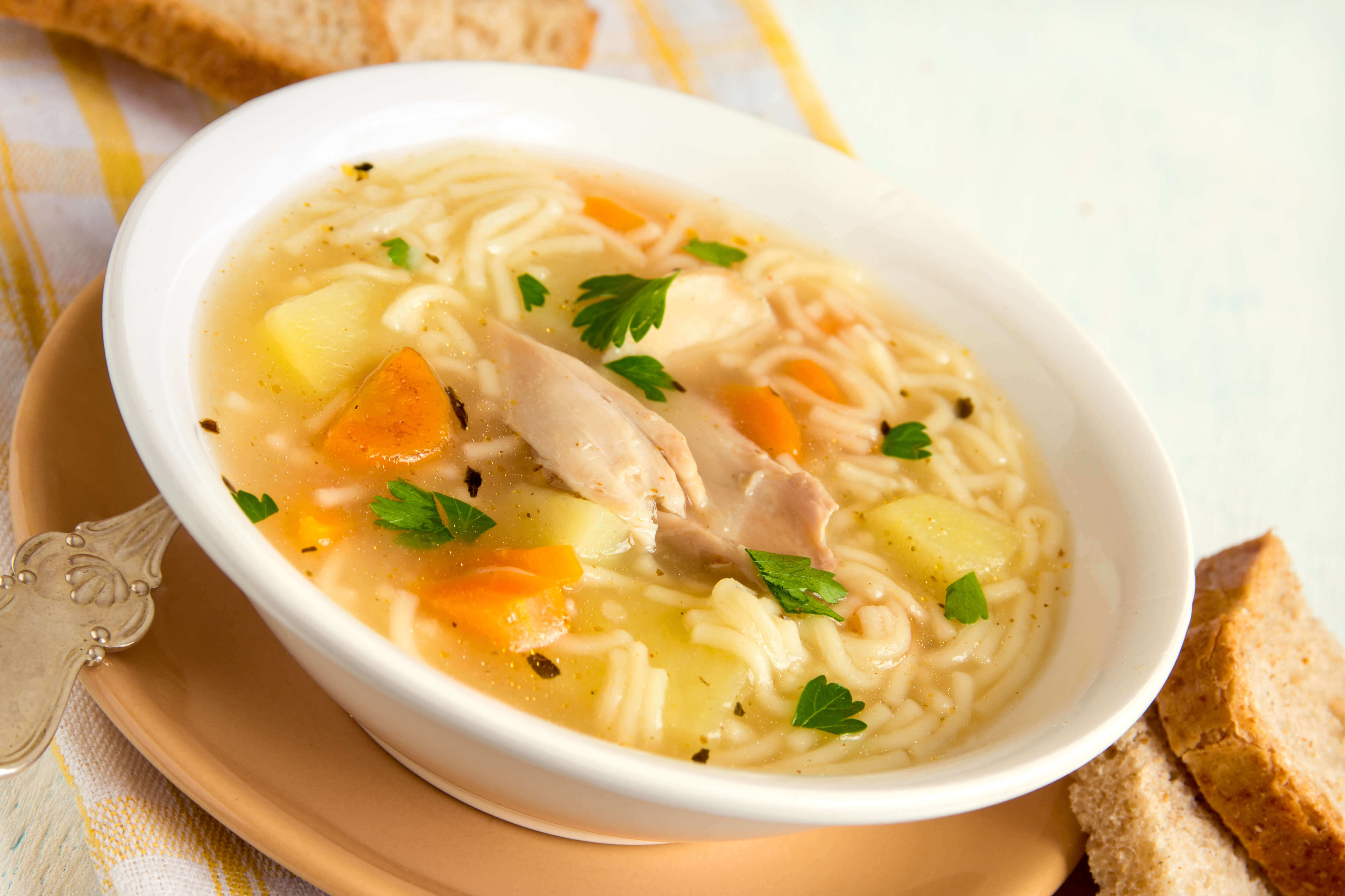 Receta sopa de pollo de imusa