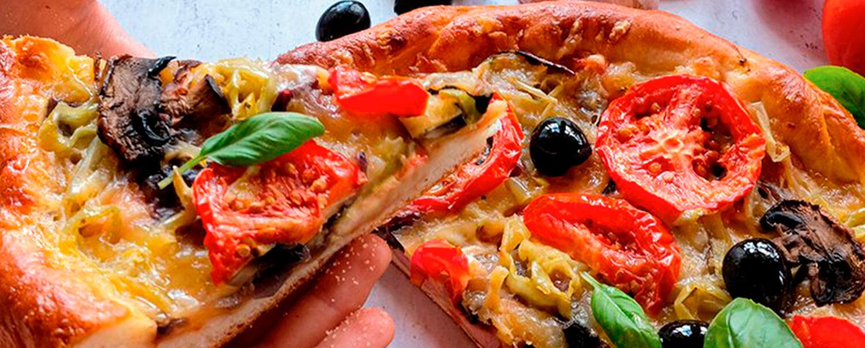 Cómo preparar una pizza en un sartén IMUSA